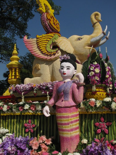 chiang_mai_flower_festival_float